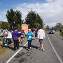 Friendly supporters at the water tables making sure everybody stays hydrated. The water point at halfway even featured some porta-loos.