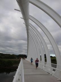 Crossing the Te Rewa Rewa bridge.