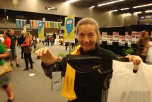 Woohoo - yours truly, who seldom wins anything, got a Asics hip pouch as one of the minor spot prizes.