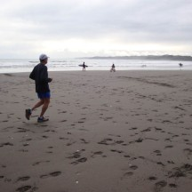 """Being so far towards the back of the field, we reached the beach as the tide was going out, resulting in hard sand and """"easy"""" running."""