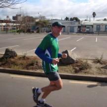 Gerry speeding towards the finish line. [Photo by Johann vd Merwe]