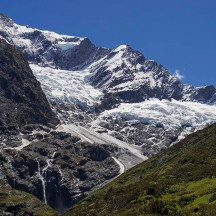 Lovely views of the Rob Roy glacier - a fitting reward to a nice little walk. (© Gerry le Roux)