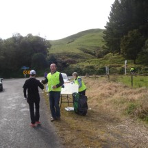 Having a laugh with volunteers at the second aid station.