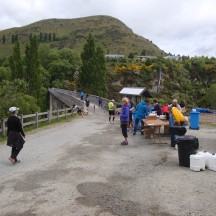 At 26.5km we reach the waterpoint before crossing the Shotover River.