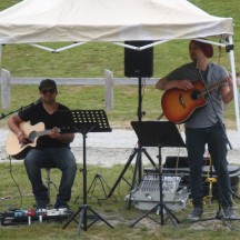 Some more musicians. I love events that have local bands to entertain runners and crowds.