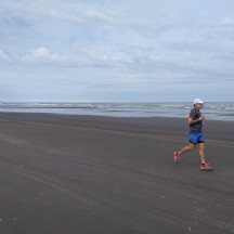 With only 17 participants in the half marathon, it is easy to have the whole beach to yourself.