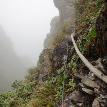 Ropes on Tuiti, chains around Tunui.